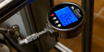 DR72 Digital Pressure Gauge Gometrics-horizontal